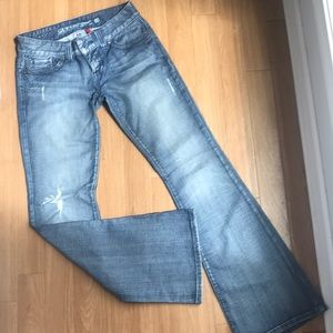 GUESS Jeans - bootcut with rip in right knee